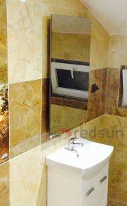 Огледален инфрачервен панел за отопление 600 вата монтиран в баня