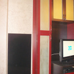 Инфрачервен панел за отопление с черно стъкло монтиран в кантора