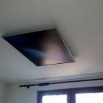 Инфрачервен панел с картина в спалня