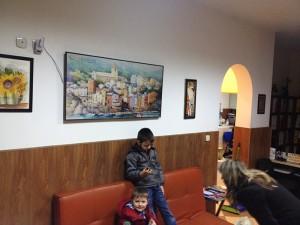 Панел за отопление с картина в чакалня на лекарски кабинет