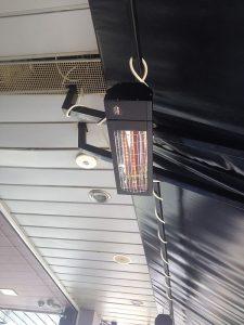 Инфрачервена печка за отопление BURDA SMART IP 24 -2000 вата, монтирана на покривна греда на ваншна тераса