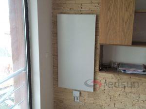 Стандартен инфрачервен панел за отопление 800 вата монтиран вертикално на стена с безжичен термостат