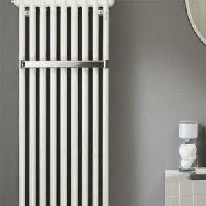 Радиатор за отопление в баня с релса за кърпи