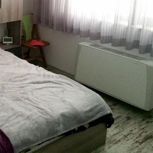 Воден конвектор Sabiana/Сабиана за отопление и охлаждане монтиран в спалня