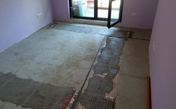 Електрическо подово отопление положено върху изполация от Депрон 6 мм в спалня в апартамент