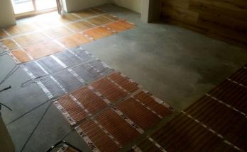 Рогозки за инфрачервено подово отопление монтирани в спалня стая в апартамент в София център