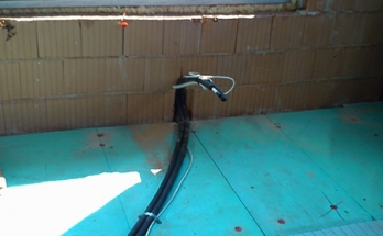 Тръбни трасета за воден конвектор за отопление и охлаждане