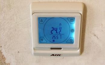 Тъчскрийн стаен термоконтролер за подово отопление