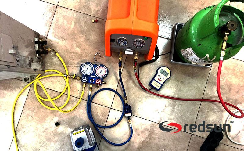 Свързани апарати и аксесоари за събиране на фреон от климатик