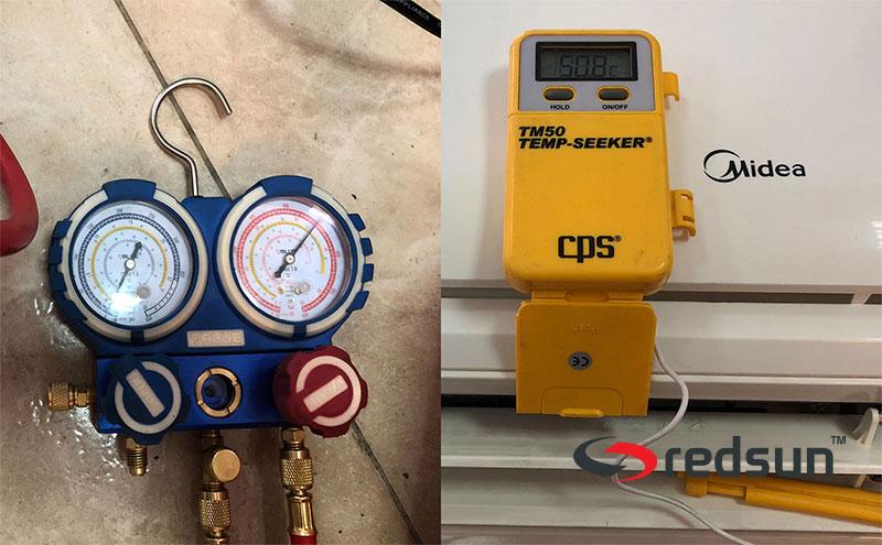 Тестване на профилактирания климатик в режим отопление с манометри и термометър